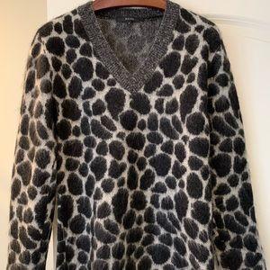 Gucci women's v neck sweater